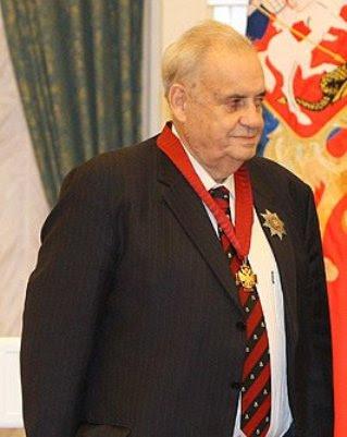 Eldar_Ryazanov (319x401, 25Kb