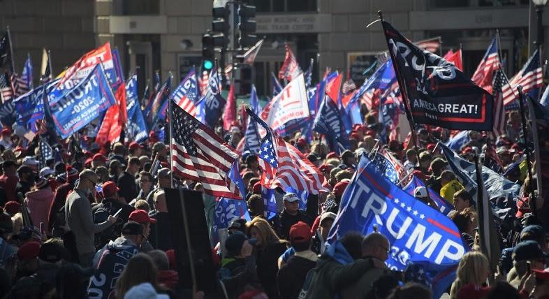 Những người ủng hộ Tổng thống Donald Trump ham gia mít tinh tại Washington, DC, vào ngày 14/11/2020