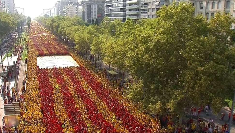 Vista aérea, cedida por TV3, de la Gran Vía de Barcelona.