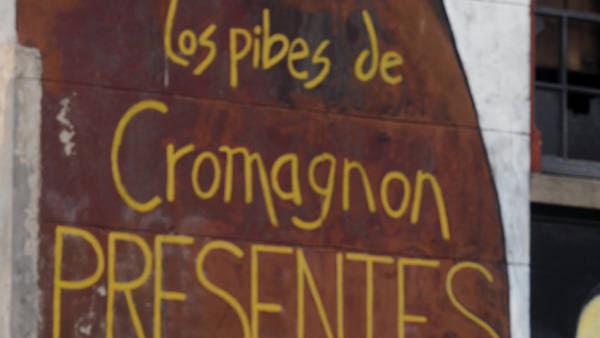 Homenajes. En las inmediaciones del boliche, desde hoy se realizan actos para recordar a las víctimas. (Rolando Andrade)
