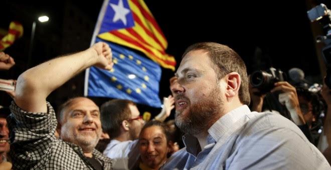 Oriol Junqueras celebrando los resultados vanzados por el sondeo de TV3./ REUTERS