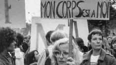 Loi Neuwirth, 50 ans de bilan contestable