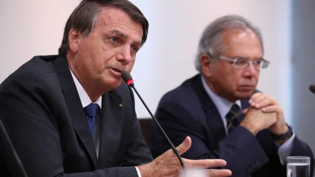 Bolsonaro: privatizar não é 'quem dá mais leva'; é um processo complexo
