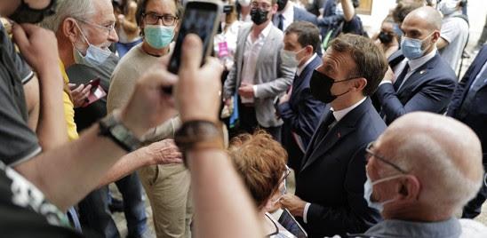FRANCIA: ÈVICINO AI GILET GIALLI L'UOMO DELLO SCHIAFFO A MACRON