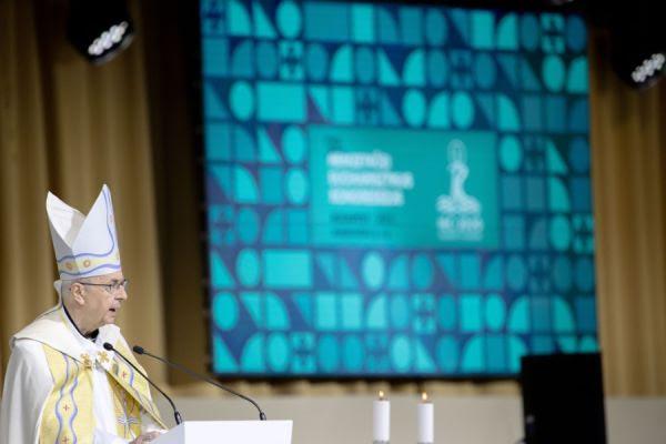 Polish Archbishop Stanisław Gądecki leads morning prayer at the International Eucharistic Congress in Budapest, Hungary, Sept. 8, 2021. Daniel Ibáñez/CNA.