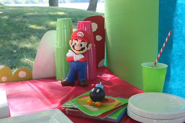 EVENT | Mario Themed Birthday Party - www.imaginationsprinkles.com #Mario #Birthday