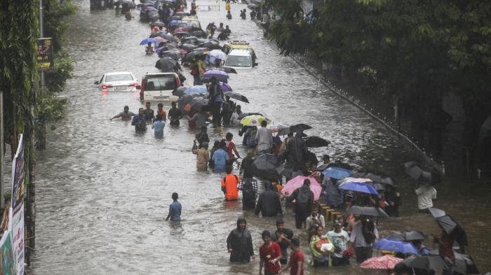 VIDEO. En Inde, au Népal et au Bangladesh, une mousson historique fait plus de 1 000 morts