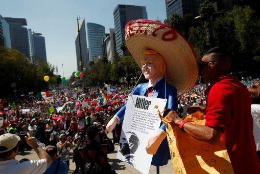 La manifestación más multitudinaria fue en Ciudad de México, con una asistencia de unas 20.000 personas, según datos de la Secretaría de Seguridad Pública capitalina.
