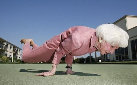 https://joseppamies.files.wordpress.com/2015/08/1664a-yoga-granny-575x439.jpg?w=560