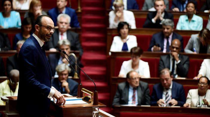 Vaccins obligatoires et tabac à 10 euros : Philippe confirme