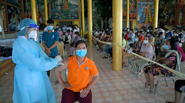 Prisons, Migrant Workers Key Fronts in Battle Against COVID-19 in Cambodia, Laos