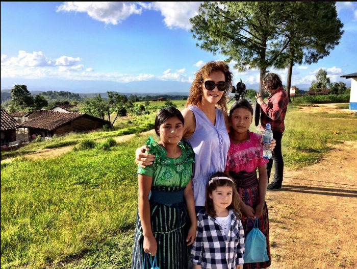 La empresaria juarense durante su viaje a Guatemala. Foto: Twitter @angelicafuentes