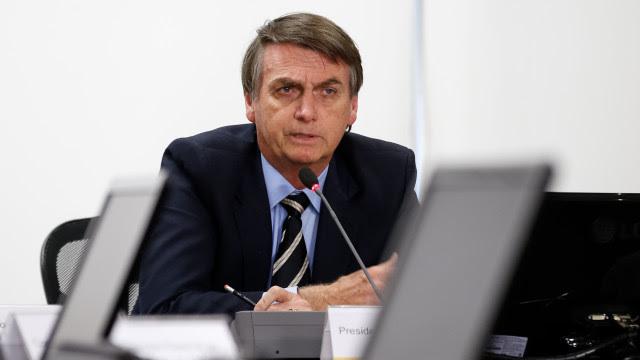 Bolsonaro começa a receber cotados para substituir Mandetta