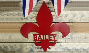 Up to 65% Off Personalized Family Name Fleur-de-Lis Metal Sign