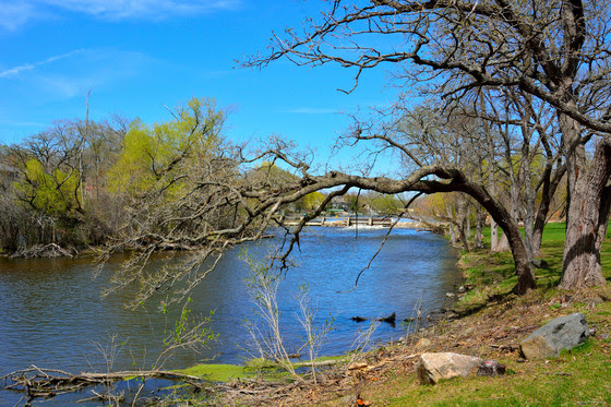 Looking northward toward the Rochester Wisconsin dam along the Fox River.
