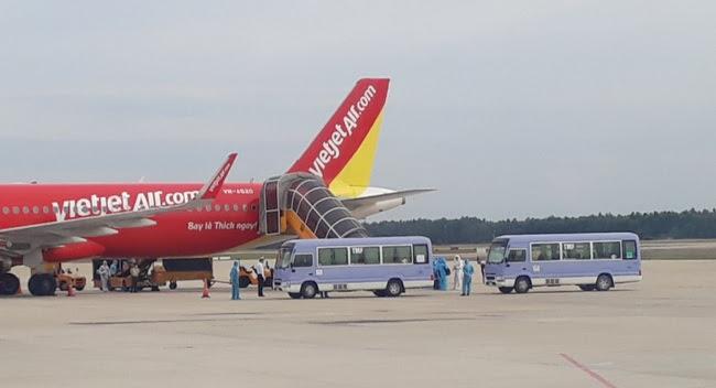 Đà Nẵng tiếp nhận 240 công dân từ Myanmar về nước - Ảnh 4.