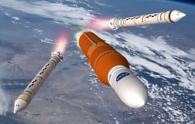 Ilustração do SLS em órbita da Terra