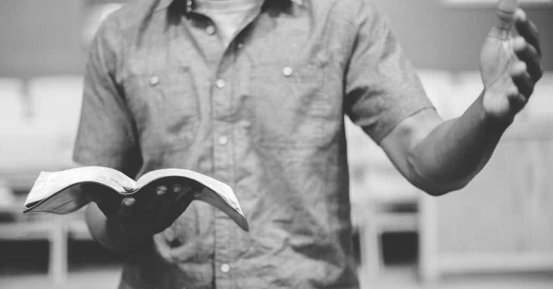 Le mythe «Les pasteurs ne devraient prêcher que l'Évangile»