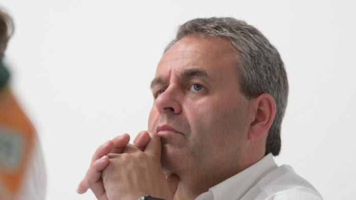 """VIDEO. Face au """"problème Bayrou"""", """"le président de la République ne peut pas rester muet"""", affirme Xavier Bertrand"""