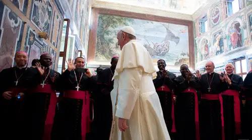¿Quién es el obispo? El Papa explica tres rasgos esenciales de esta vocación