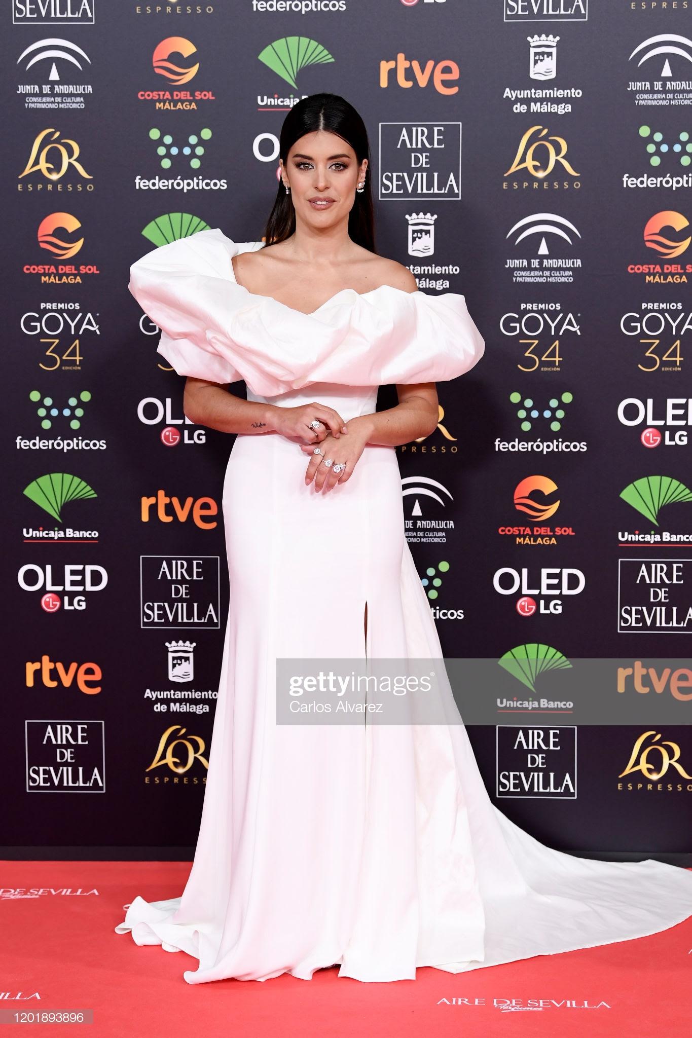 69dd54a2 29ab 4d9f 83f1 66e604663605 - Premios Goya 2020 : Looks de todas las celebrities que lucieron  marcas de Replica