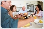 Teens who sit down for family dinners more likely to have healthier eating habits