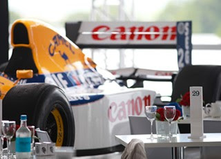 GP CLUB: BALCONY VIEW OF F1 CARS