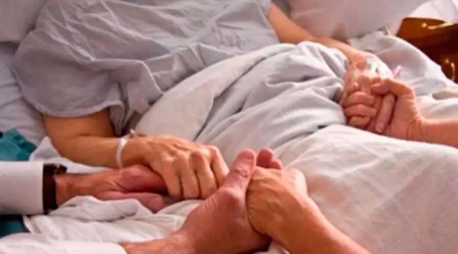 Papa Francisco: Con enfermos en casa, la familia vive el heroísmo y enseña solidaridad