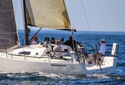 J/111 sailing Islands Race