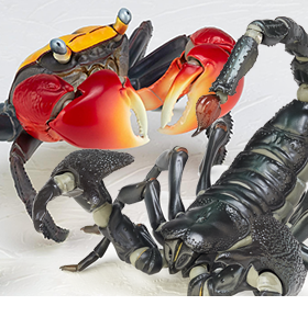 REVOLTECH REVOGEO EMPEROR SCORPION & RED-CLAWED CRAB