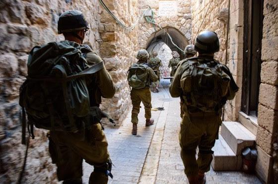 Israelisoldiers-city