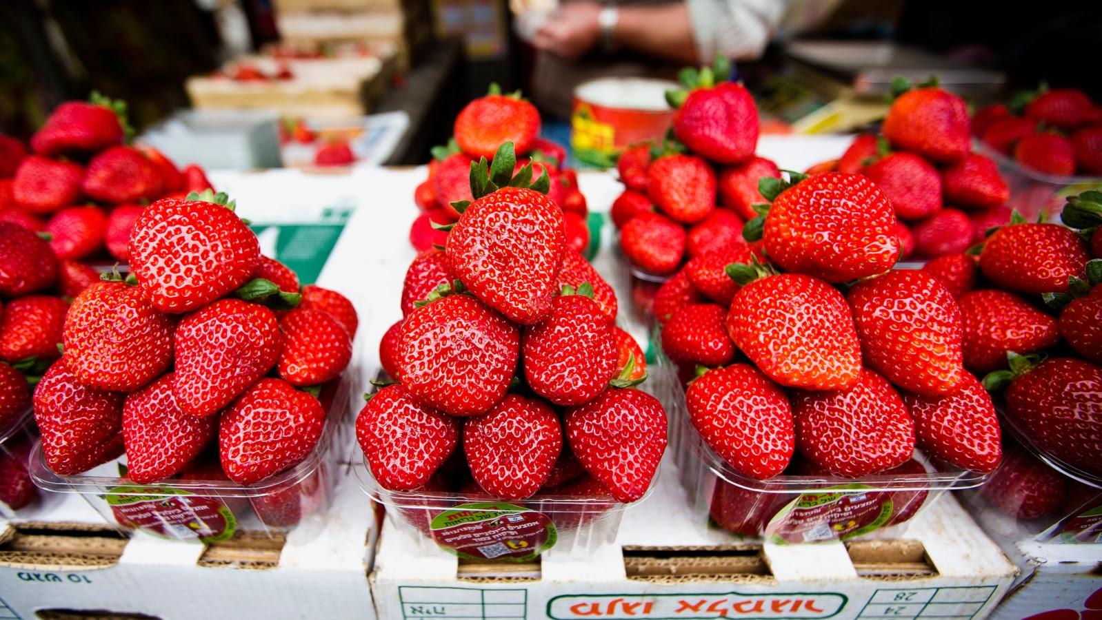 strawberries-f90.jpg