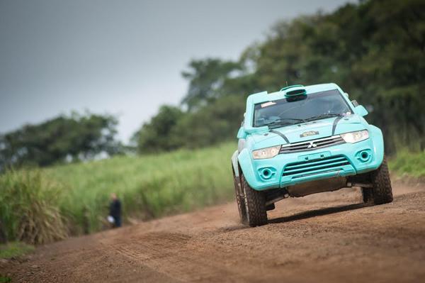 A primeira Especial do Rally Cuesta Off-Road teve diversidade de pisos (Gustavo Epifânio/DFotos)