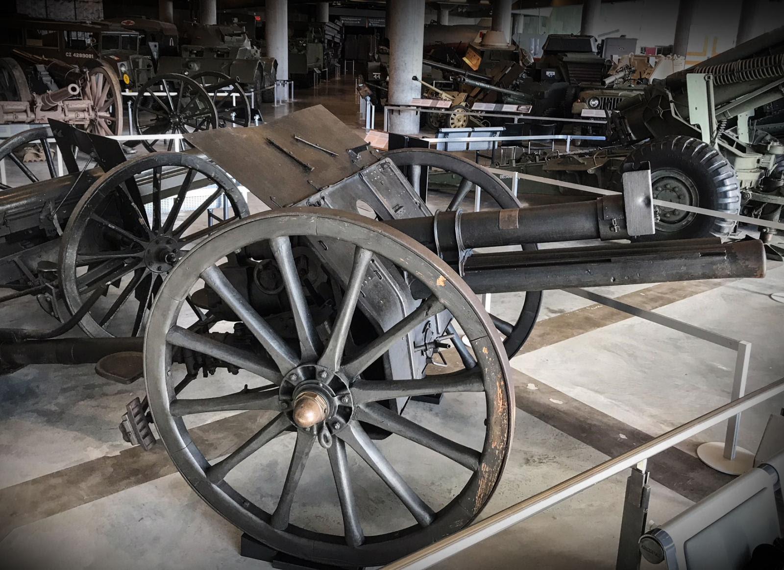 Belgian king returns field gun to Canada