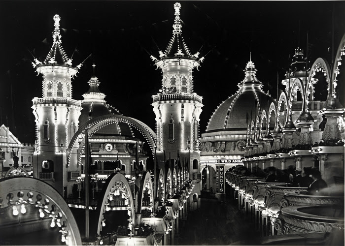 File:Luna Park at night 1906.jpg