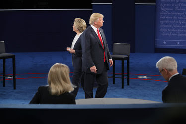 Hillary Clinton and Donald J. Trump met at the second presidential debate on Sunday in St. Louis. Their body language further emphasized that they do not see eye to eye.