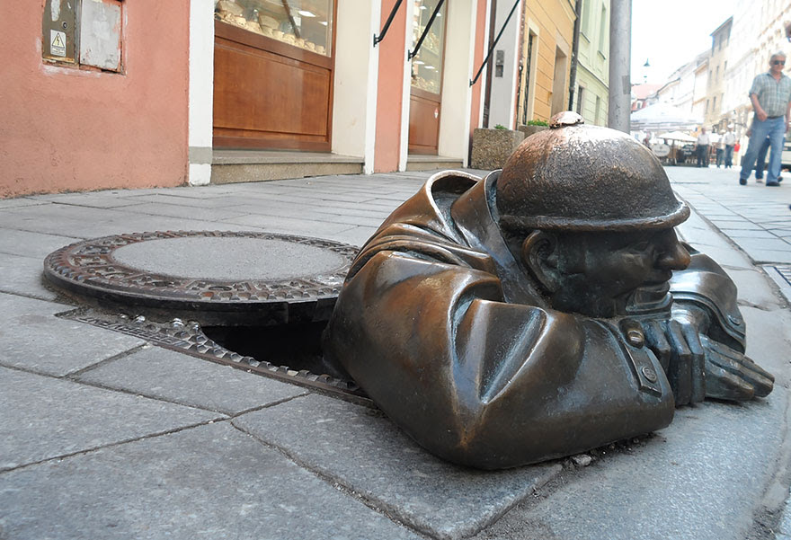 http://www.boredpanda.com/worlds-most-creative-statues-sculptures/?image_id=worlds-most-creative-statues-133.jpg