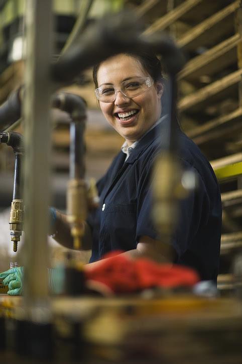 smiling_lady_worker.jpg
