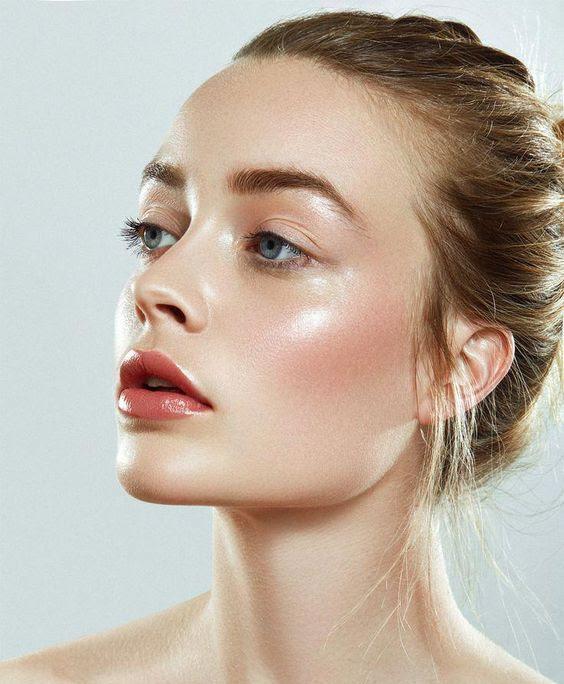 dewy skin make up trend