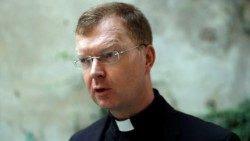 Padre Zollner  encuentro vaticano protección menores