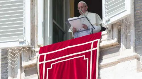 El Papa pide evitar la ostentación religiosa y anima a los cristianos a ser humildes