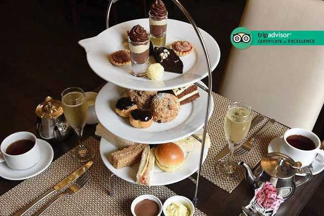 Chocolate Afternoon Tea & Prosecco for 2 @ 4* Grand Royale, Hyde Park