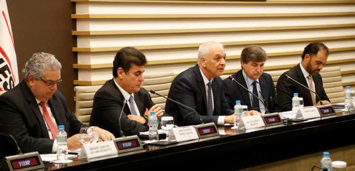 Consic debate competitividade e panorama na Itália, após operação mão limpa