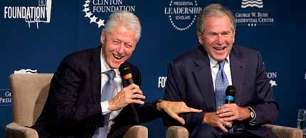 Former presidents Bill Clinton and George W. Bush. (photo: Jacquelyn Martin/AP)