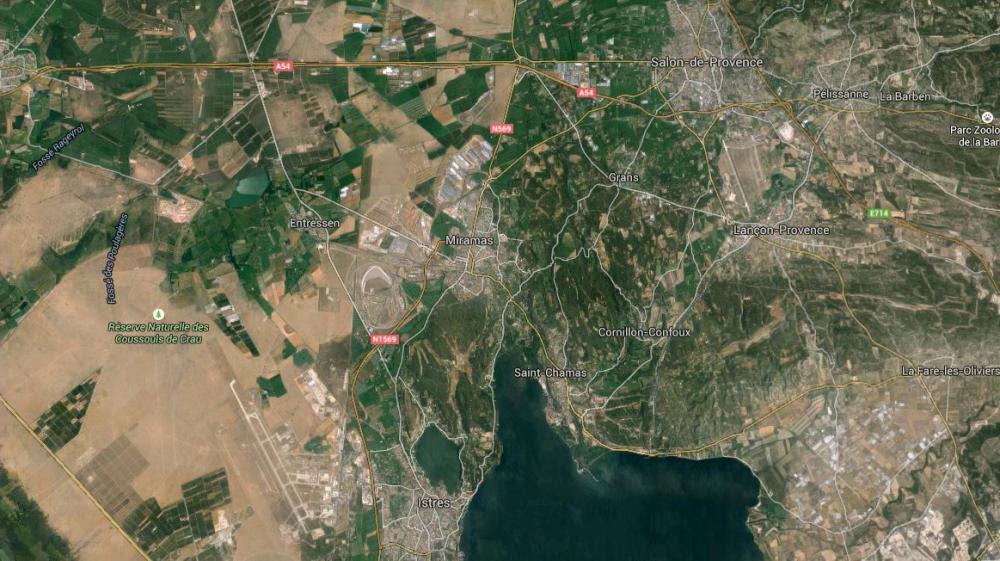 Capture d'écran d'une Google Map pointant la ville de Miramas (Bouches-du-Rhône) où des individus ont dérobé du matériel sur un site de dépôt de munitions de l'armée de terre.