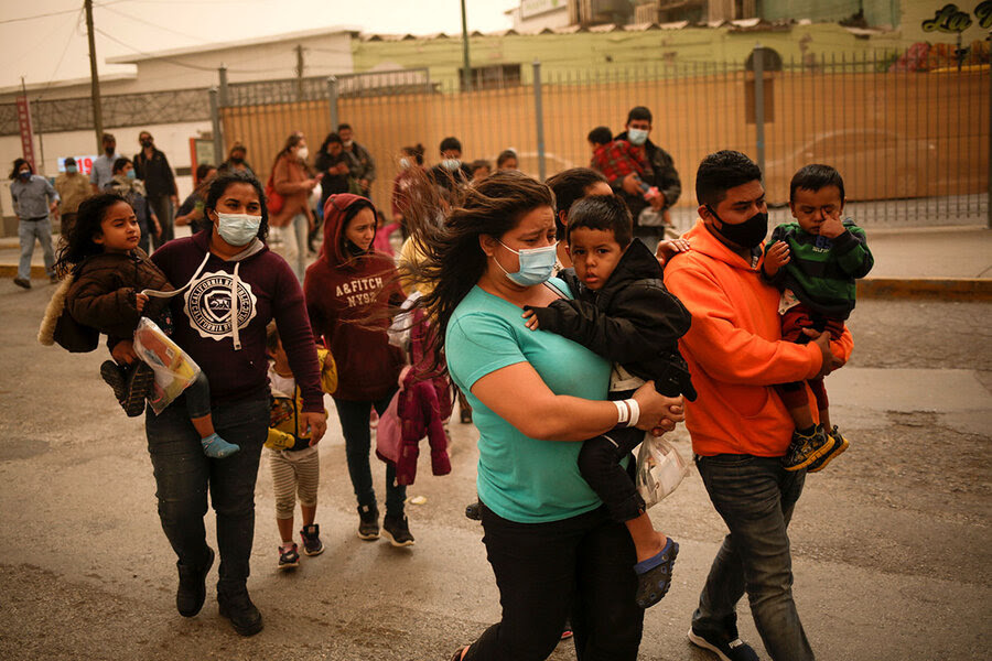 People crossing the US-Mexico border