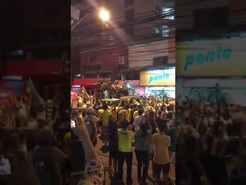 Militares salieron a las calles para conmemorar el resultado de la votación en la segunda vuelta de las elecciones en Brasil - Créditos: Dilvugación/Facebook