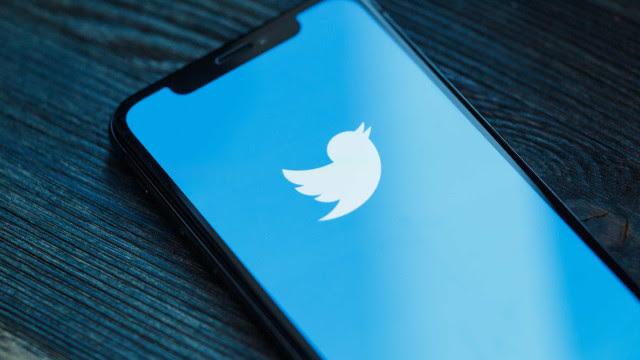 Parlamentares da base do governo lideram posts com desinformações no Twitter