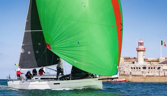 J/112E sailing offshore