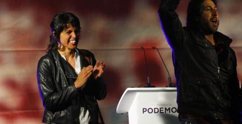 Teresa Rodríguez, candidata de Podemos a la Junta de Andalucía, en el penúltimo mitin de campaña este jueves, en el colegio público Gadir de Cádiz. A.L.M.